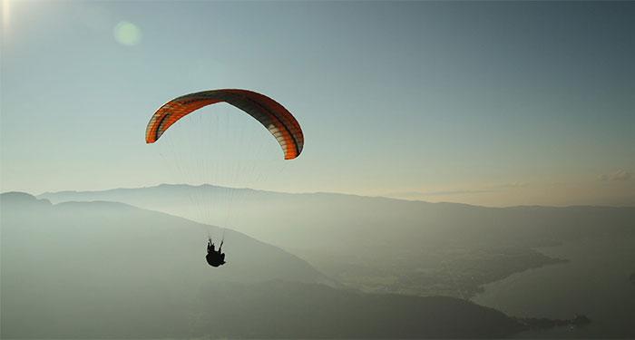 wat is een parachute bonus of non-sticky bonus